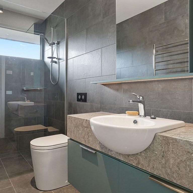 Grovedale-Kitchens-bathroom